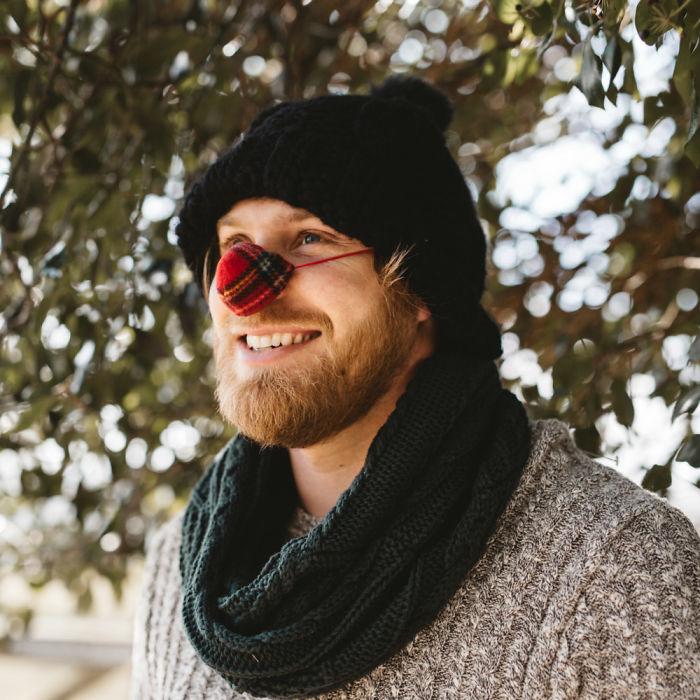Зима, холода надвигаются и это значит, что вам нужна носогрейка. Модный тренд, однако!