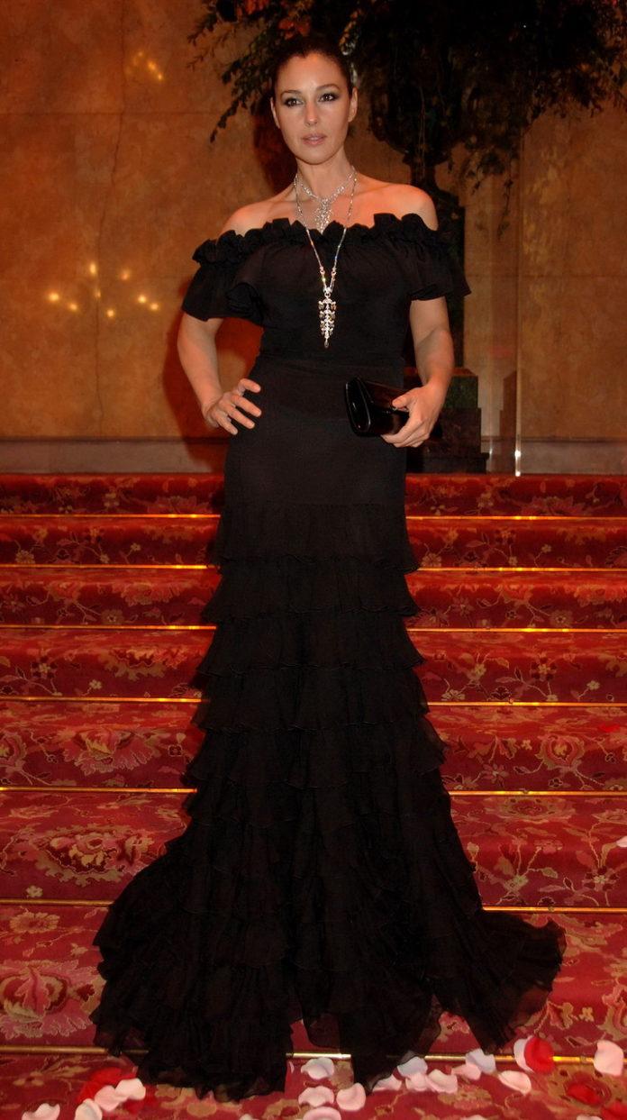 7 лучших нарядов звездных гостей свадьбы принцессы Евгении новые фото