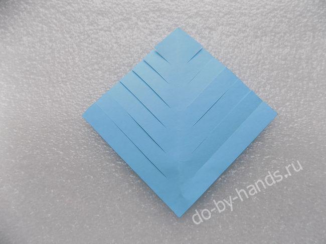 Еще одна идея в новогоднюю копилку: Oбъёмная снежинка из бумаги