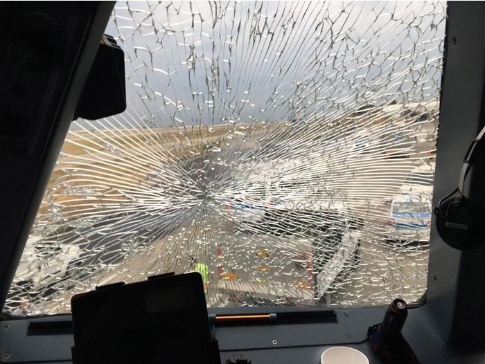 Украинский пилот спас 121 пассажира, посадив поврежденный самолет