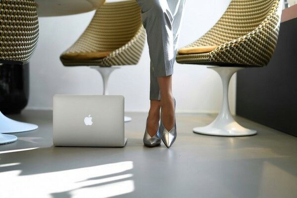 8551fb82 Не спешат покидать обувные тренды весны и лета классические туфли-лодочки.  Эта пара необходима в любом женском гардеробе. Кроме классических оттенков  вы ...