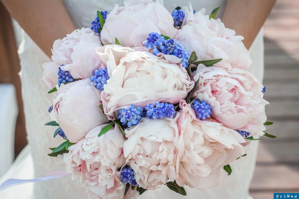 Букет цветов, сколько стоит свадебный букет невесты из пионов