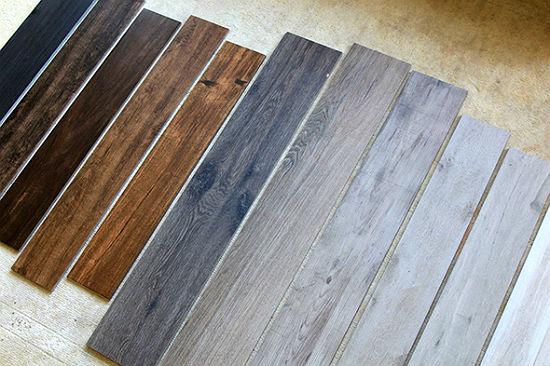Преимущества керамической плитки под дерево