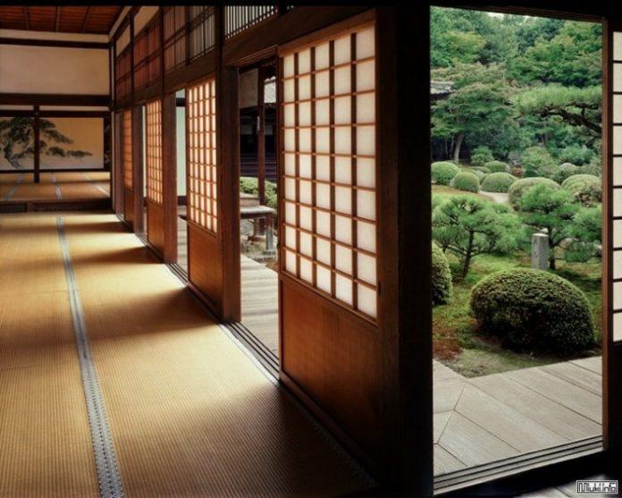 Почему жители Японии никого не зовут к себе в гости? Взгляните, как в этой стране живет обычный средний класс