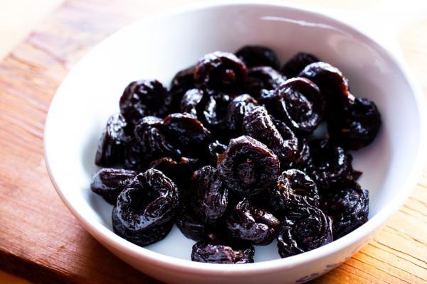 Эти 3 фрукта на ночь восстановят позвоночник и добавят сил.