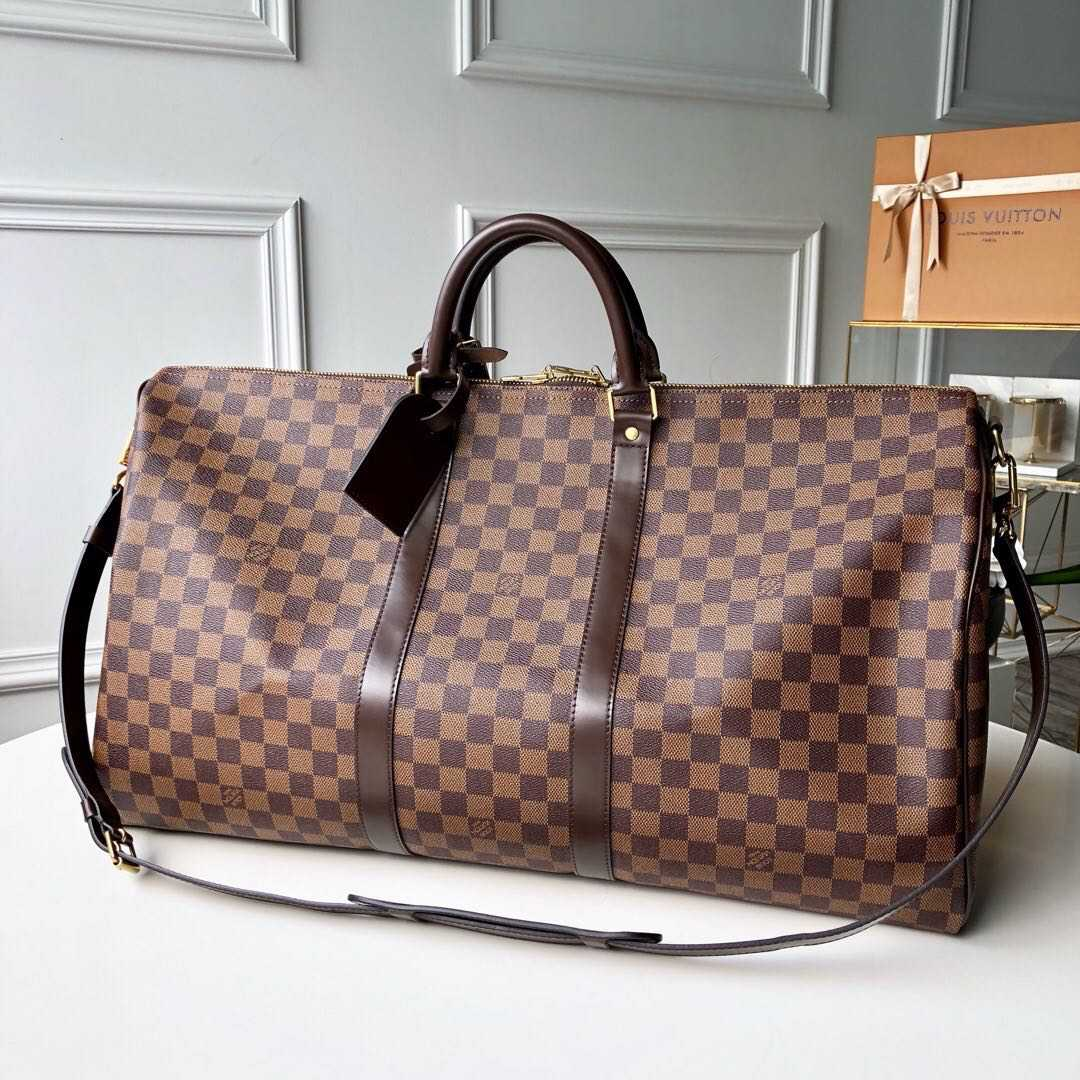 Сумки Louis Vuitton из магазина Имидж